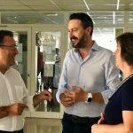 García León se compromete a poner en marcha un servicio de acompañamiento a personas mayores